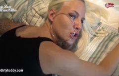 Belle blonde cornée veut obtenir le sexe beaucoup et souvent de vous kordonivkakino