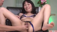 La femme asiatique vous offre sa magnifique chatte