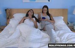 Films Pornos Mignons Pour Jeunes Et Lesbiennes