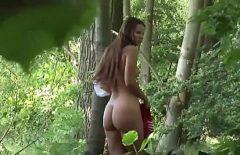 Romanca Baisée Dans Le Cul Dans La Forêt